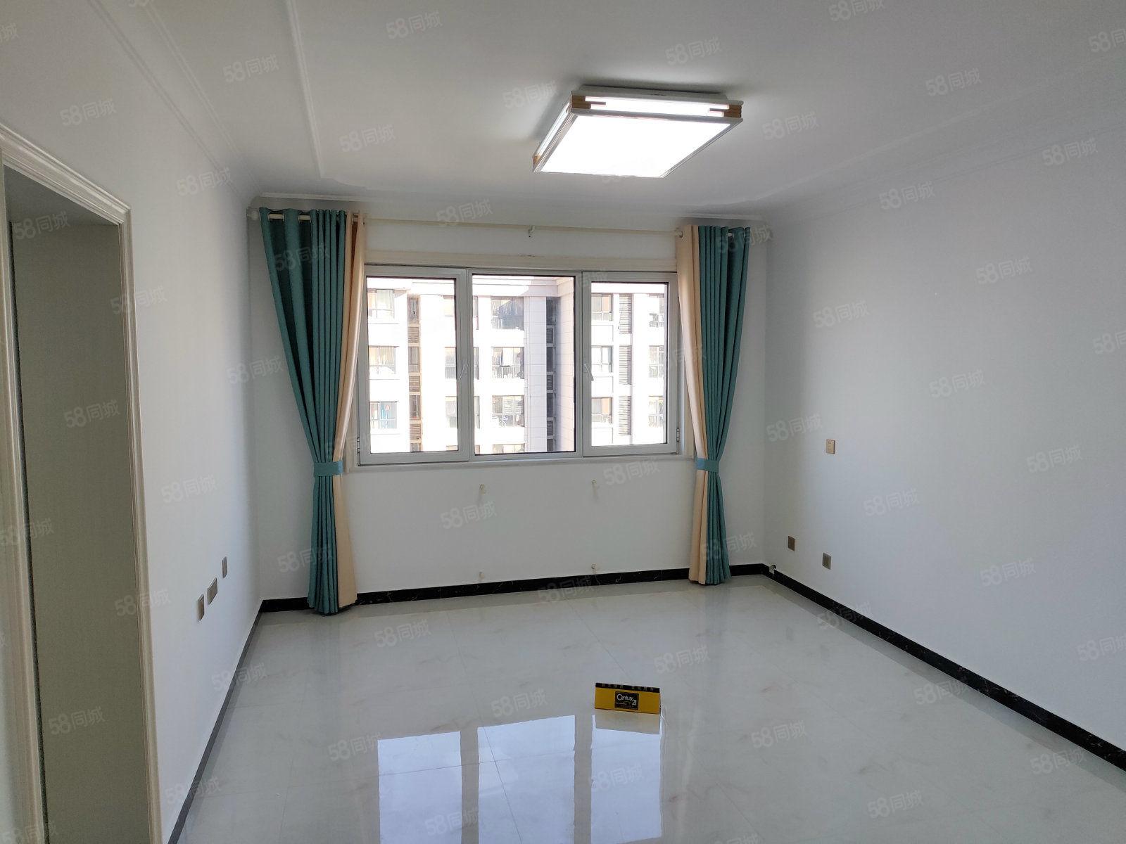 润丰锦尚精装2室房间干净透亮家具家电可配置