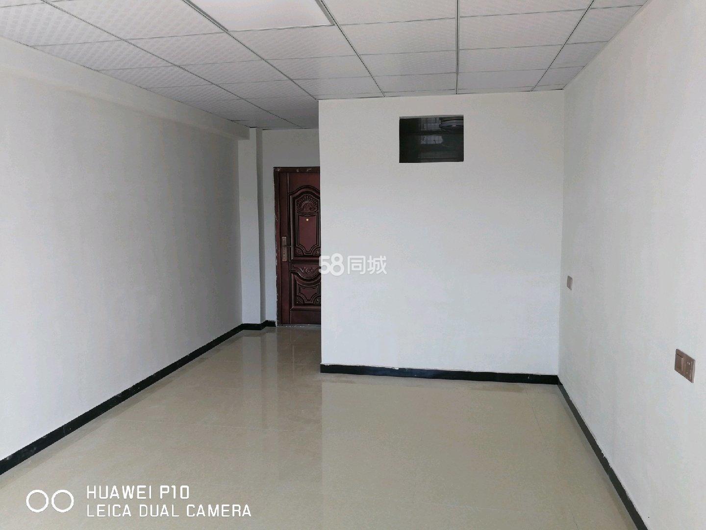 潜山三合大市场2室1厅1卫