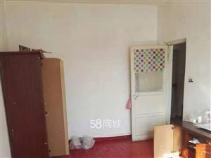 板房小�^2室1�d1�l