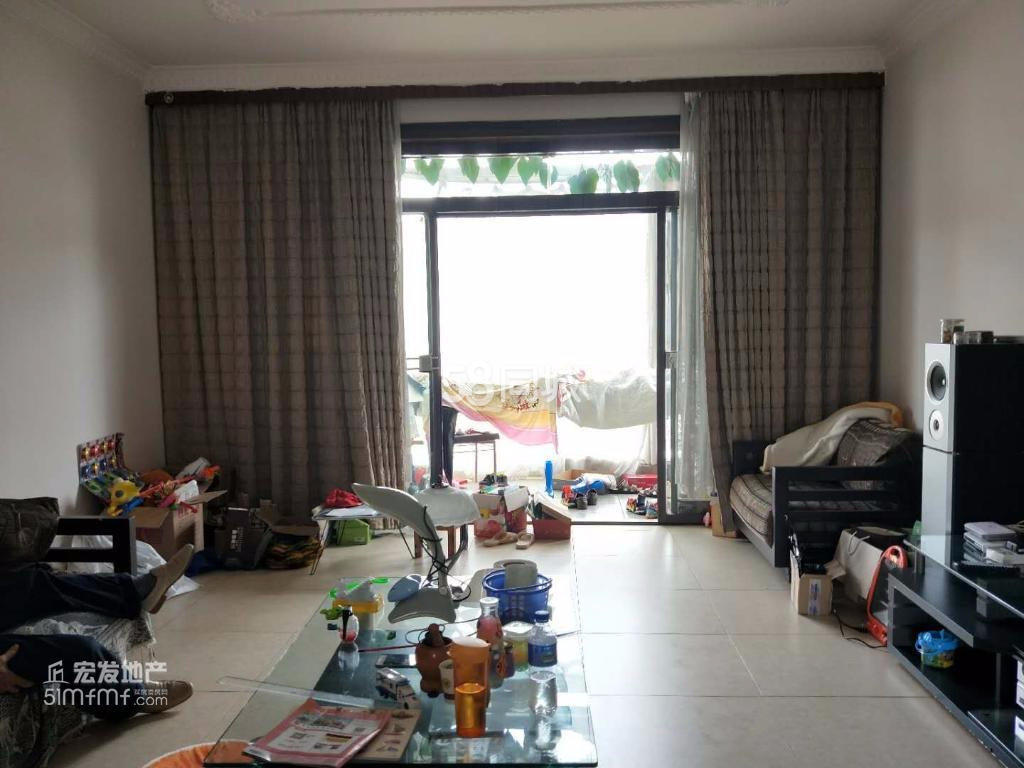 龙湖苑3室2厅2卫