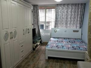 女学街1室0厅1卫