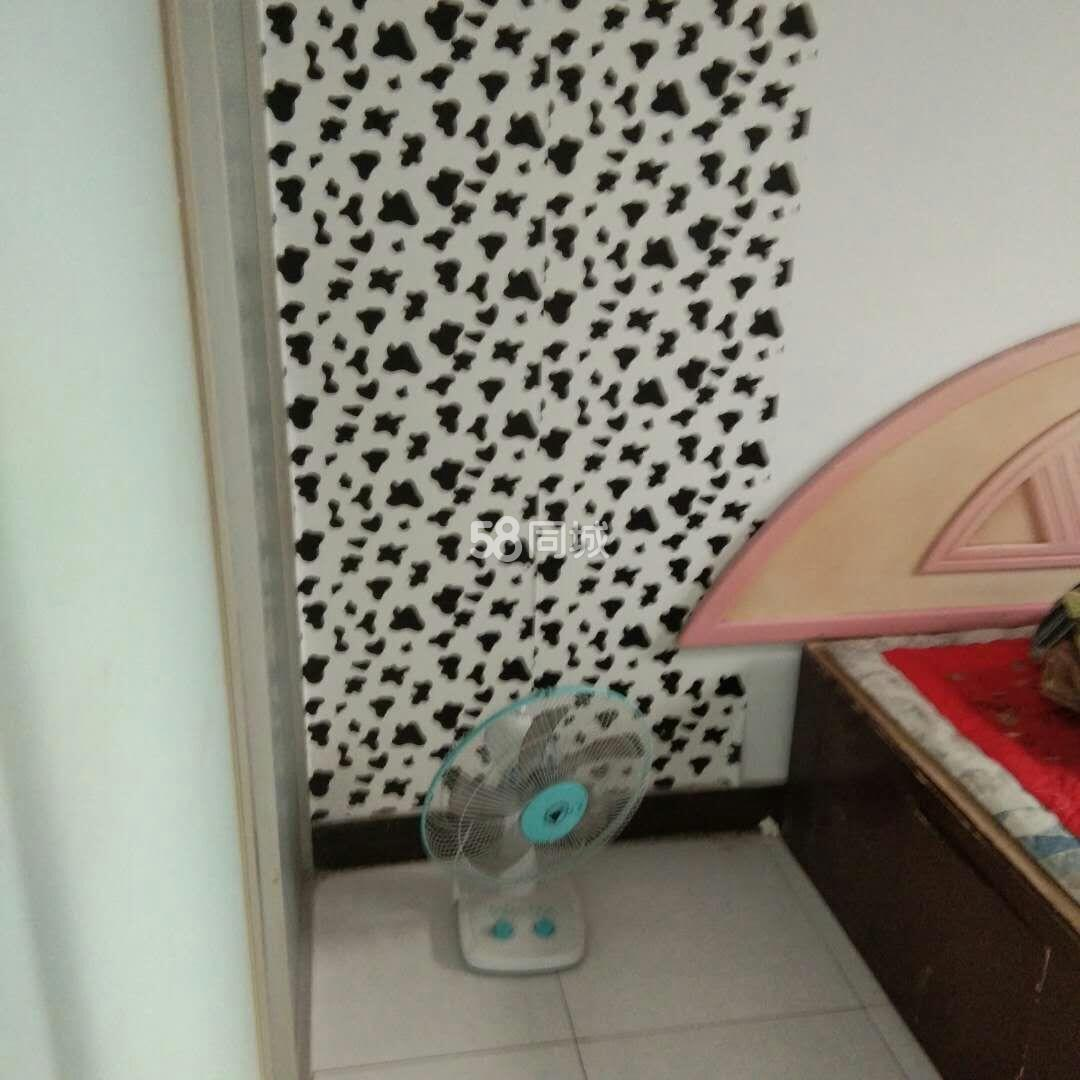 平安里两室可季度租带热水器2室1厅1卫