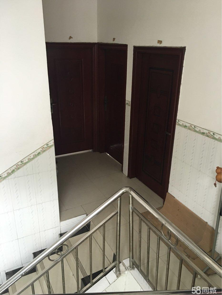 整栋天地楼出售证件齐全四层巴马新隆小区9室3厅