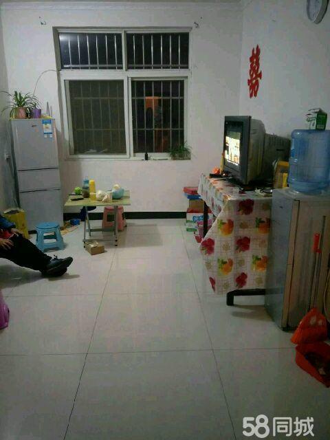 汝阳县城关镇建设路中段神舟龙水岸附近2室1厅1卫