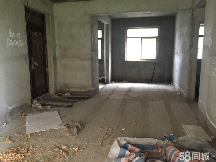 新公安局小区东方世纪城三室两厅带衣帽间毛坯急售