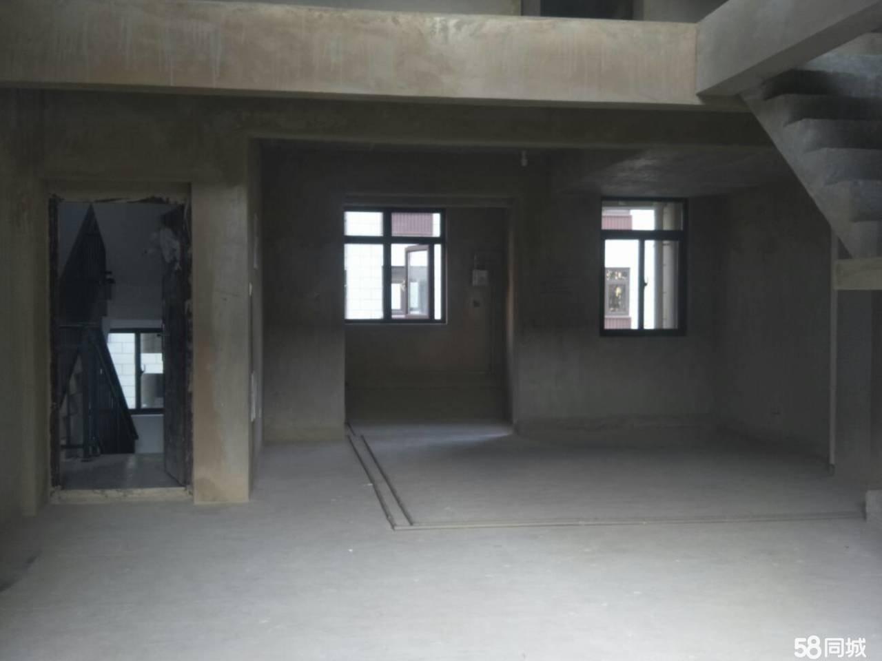 新州医院清和园四越五复式楼5室2厅3卫现房