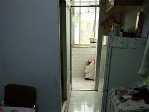 3楼个人房源西三环2室1厅1卫