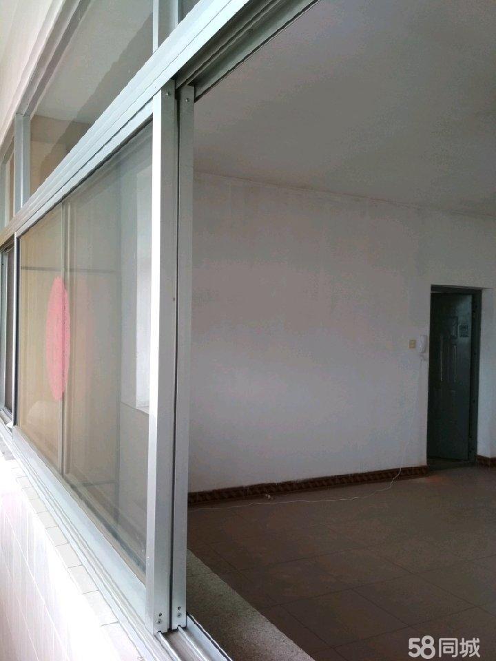 卢龙设计室家属楼3室2厅2卫