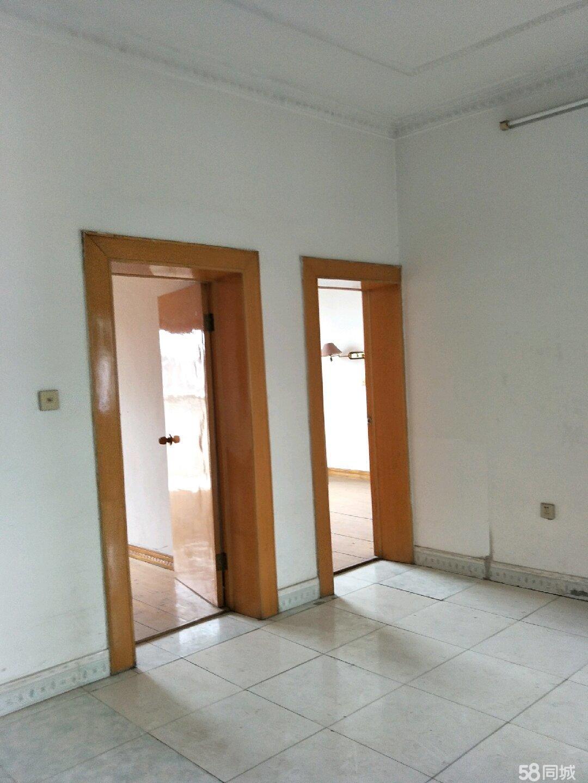 自家房子直賣,房屋光線好,樓頂好利用。