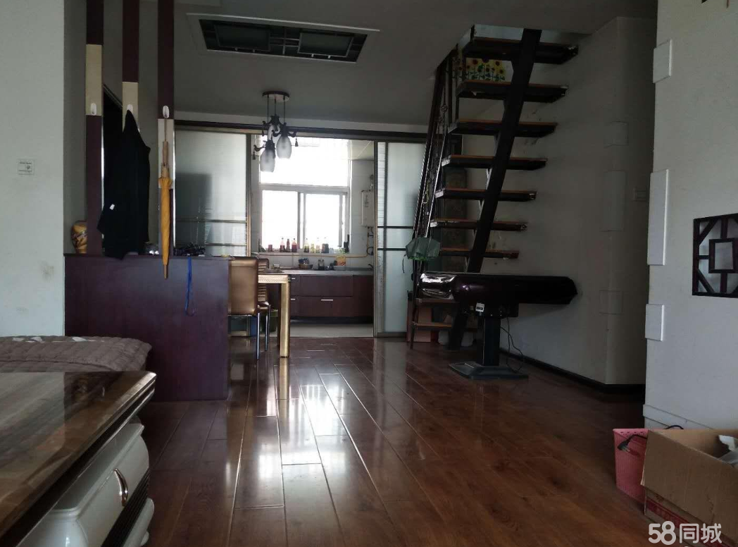 紫竹苑实验中学学区房六楼步梯送阁楼