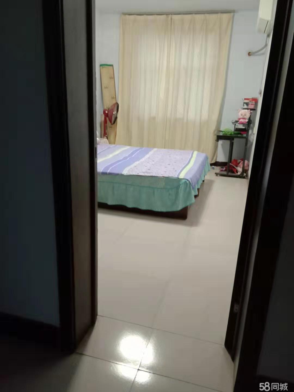 伊阳小区3室2厅2卫