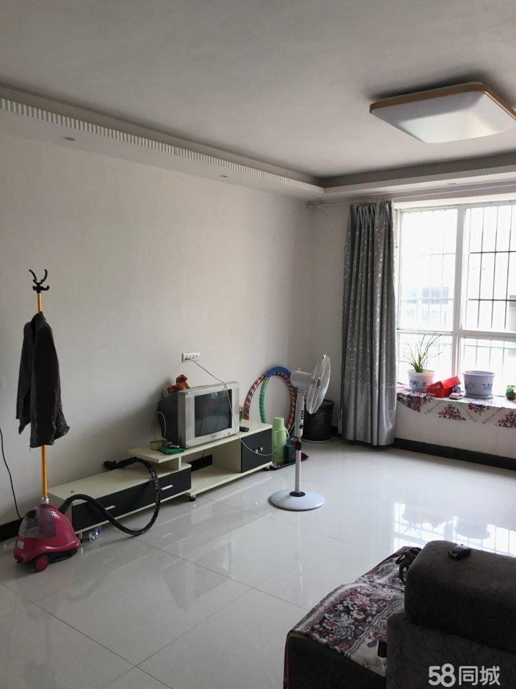 出售滨河小区西门。雅文酒店后3室2厅2卫