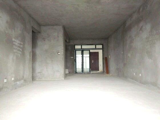房东诚心卖公务员小区大三房每平米只要五千多!