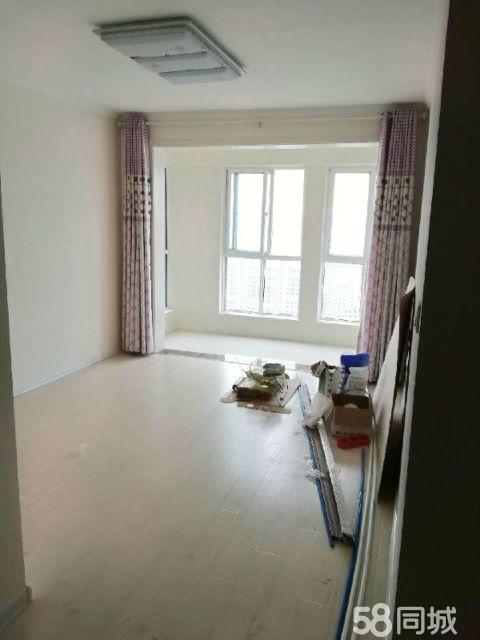富景国际2室2厅80平米精装修年付