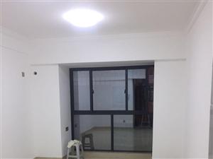 江滨花园1室1厅55平米电梯房新装修配全新家具家电
