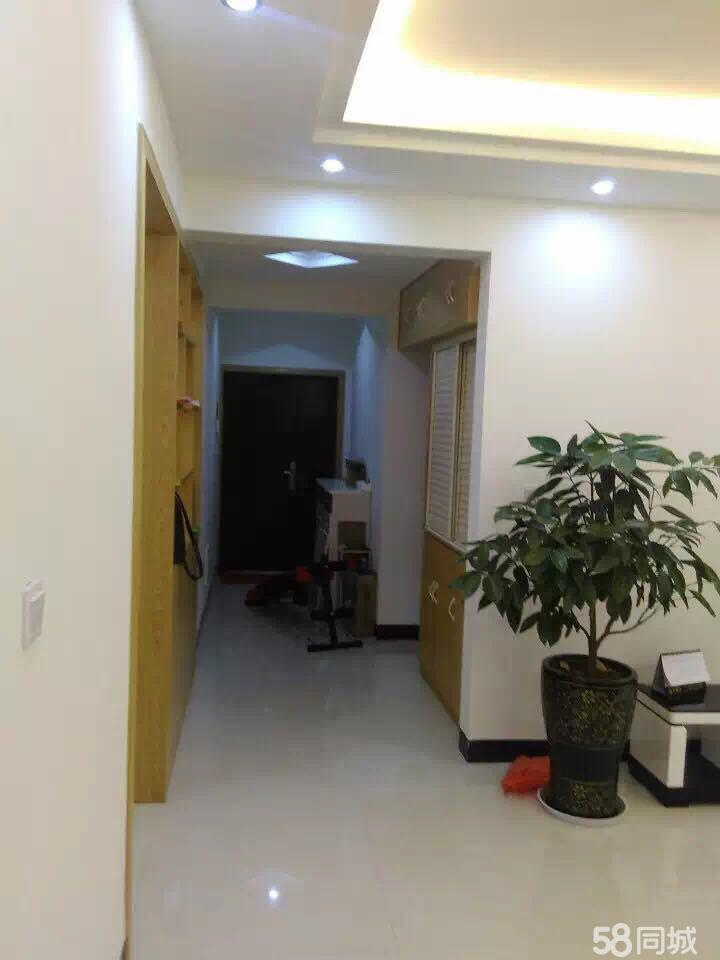公务员小区中装修楼梯房4室4厅2卫167㎡看房方便欢迎来看
