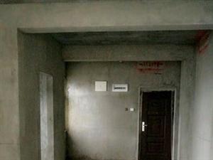 鱼梁洲转盘锦绣家园3室均价6000134平82万元