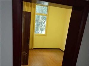 凤麓湖畔4室1厅2卫