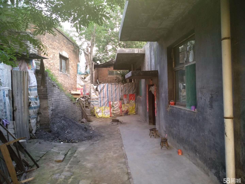 山西省汾西县城1室1厅1卫800平米