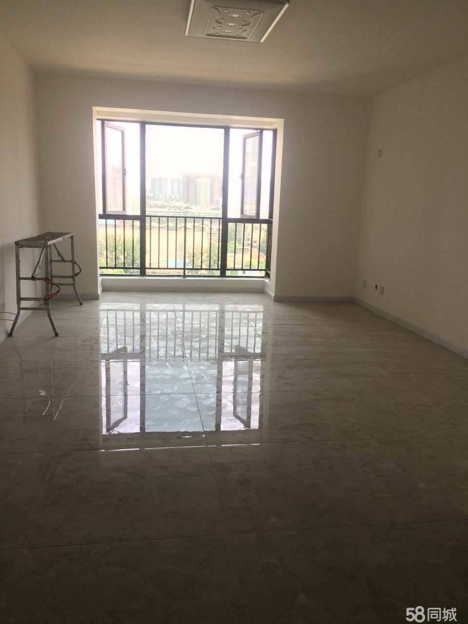 秦都财富中心3室2厅140平米中等装修半年付