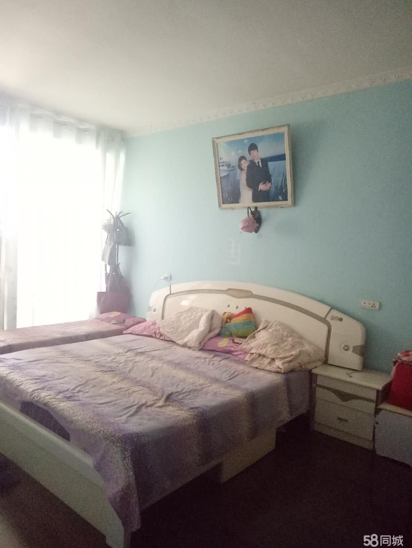 城区金马小区3室2厅1卫128平米
