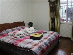 东宝凯凌香格里拉一期3室2厅2卫135平米,精装修,全套实木地板家具、家电、因调外地工作,急售房,诚意者价格可谈!