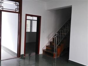 陇川县章凤同心小区5室2厅2卫185平米
