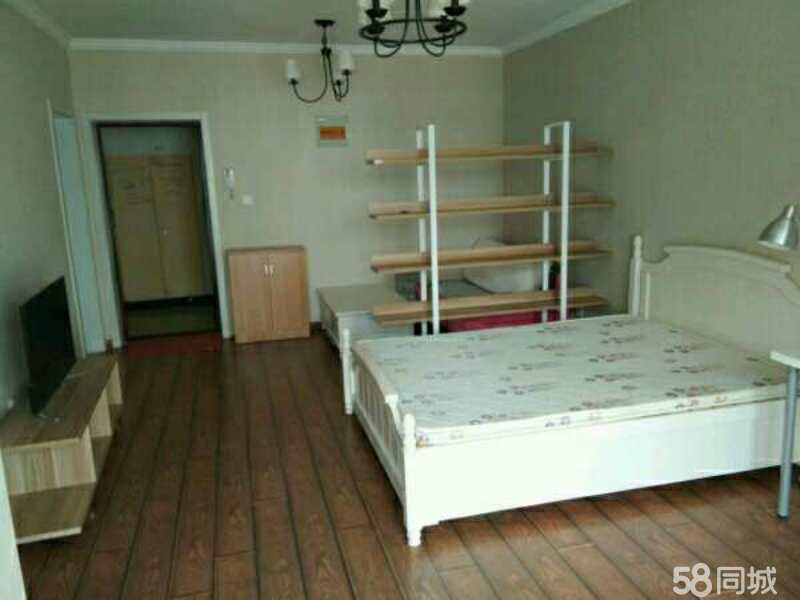 职工花园1室1厅木地板家电齐全押一付三
