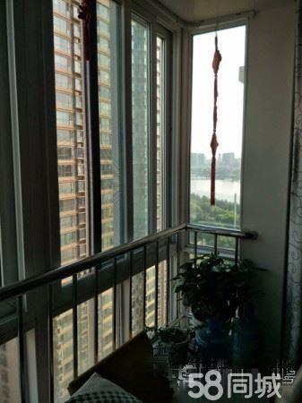 中泰华庭旁群和苑精装通透三房免税电梯房送车位