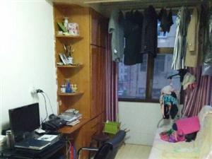 22.8万售淮二新村多层4楼两室一厅约51平米配有5平车库