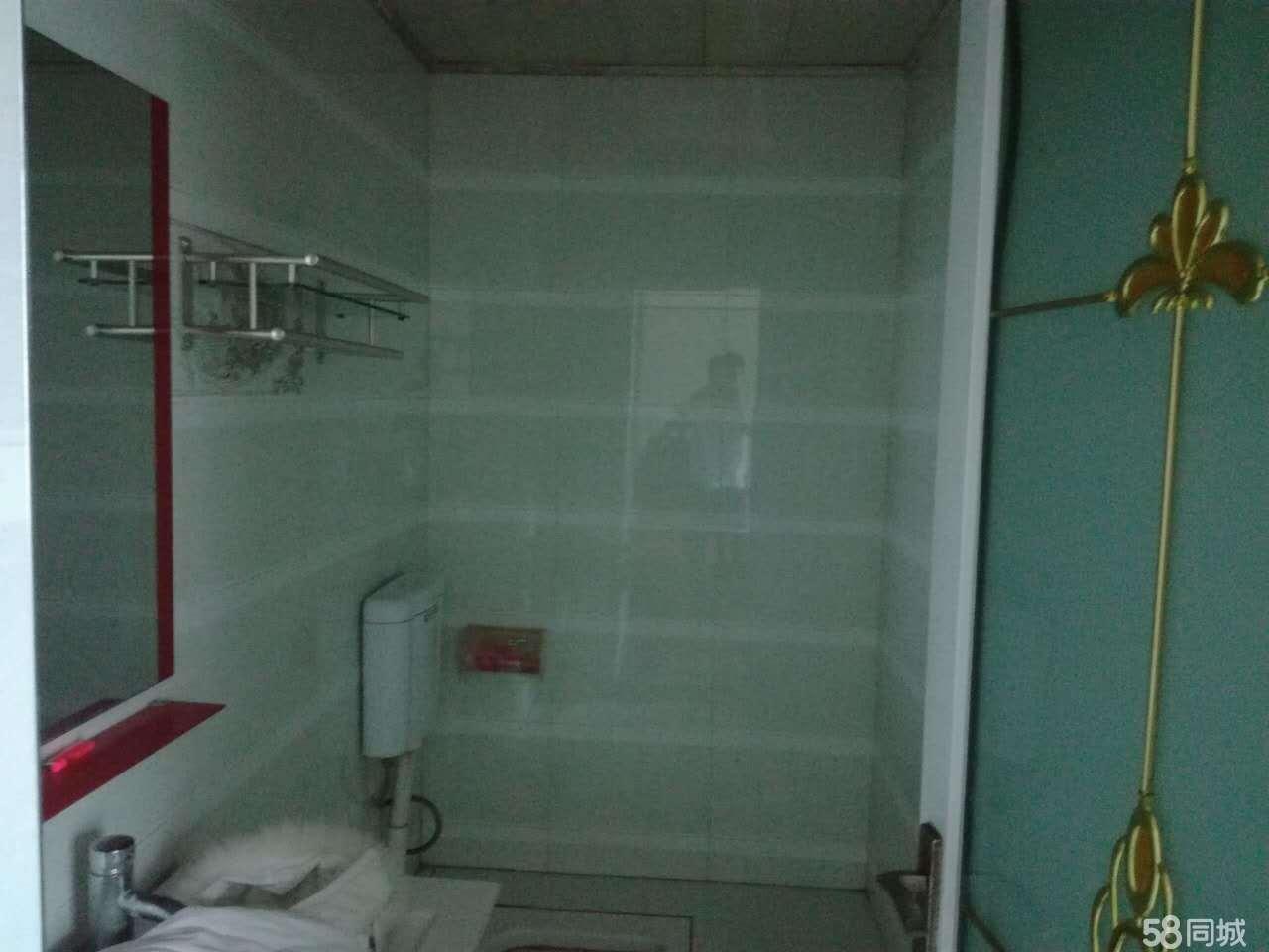 碧江铜仁火车站3室2厅120平米简单装修押一付三