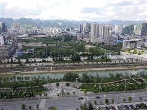 南滨花园,望江房,南北通透,65.8万,高层