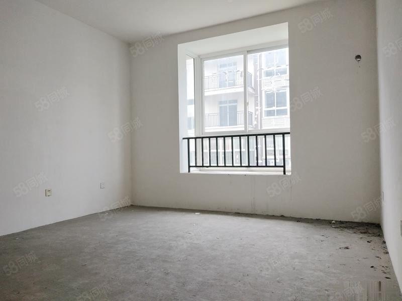 离梦想很近实现舒适三房体验奢华生活户型方正一梯两户