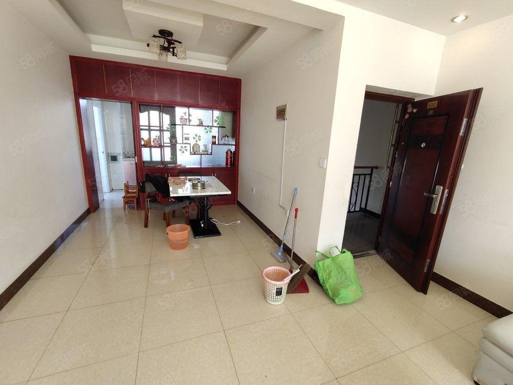 客运站附近3室2厅2卫精装修房屋出租可拎包入住