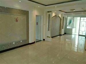 东方不夜城旁圣荣公寓豪华四室精装修带车库240平