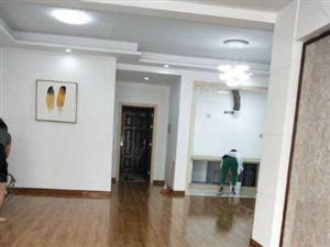 乐家房产文艺路名校附近精装三房,甩卖价49.8万。