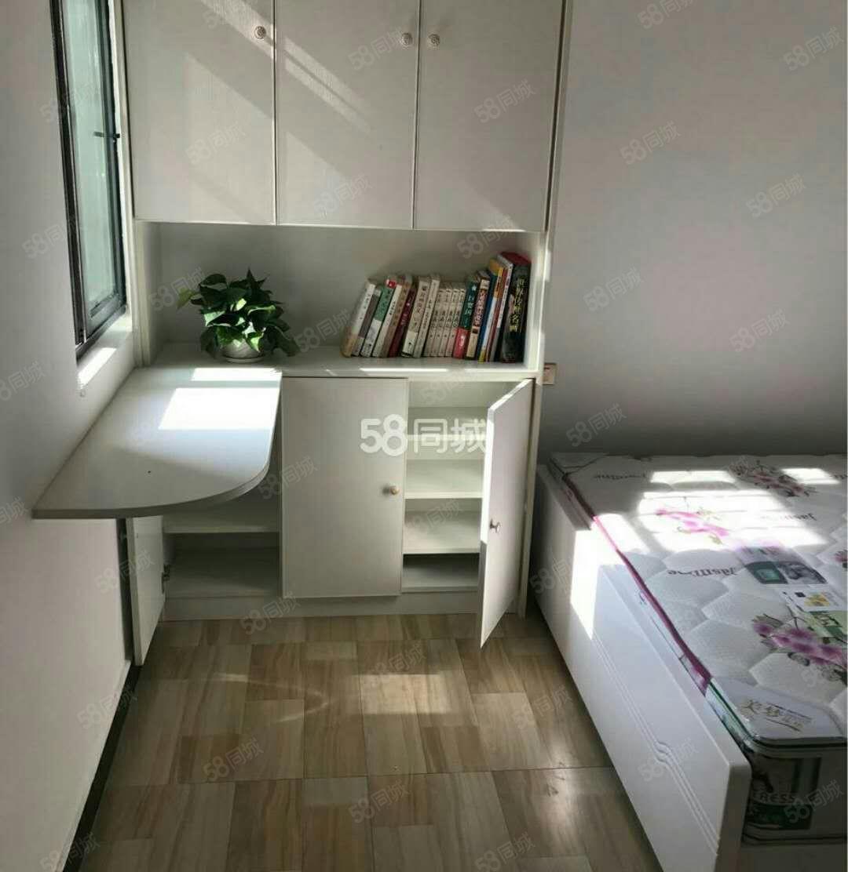 精装修,家私家电齐全,拎包入住,欢迎随时看房。
