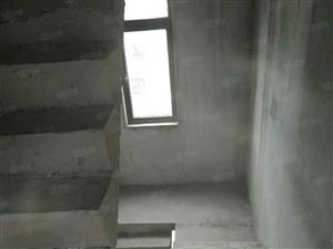 联家好房巨划算的别墅来了,碧桂园双拼别墅6证上面积156.9