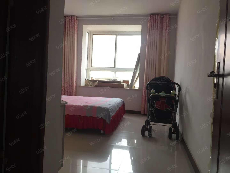 开发区名门尚居小公寓拎包入住