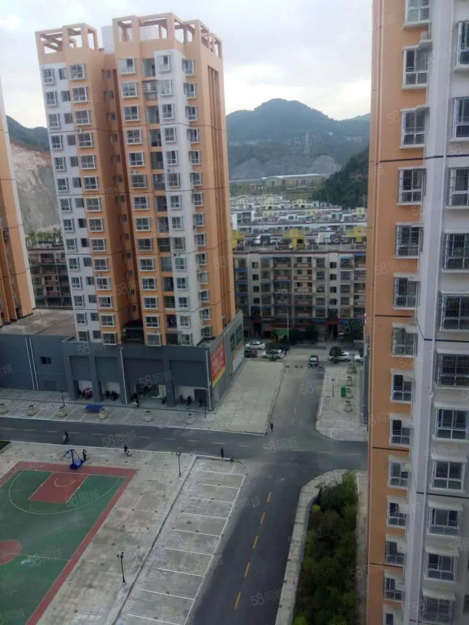 350元特别便宜出租小区电梯新房,单身公寓一室一卫一阳台空调