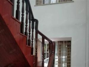 金港名都B区复式楼.楼中楼,5房二厅二卫二厨二阳台,装修好