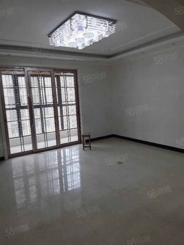 鼎华时代广场电梯10楼简单装修空房澳门星际网址