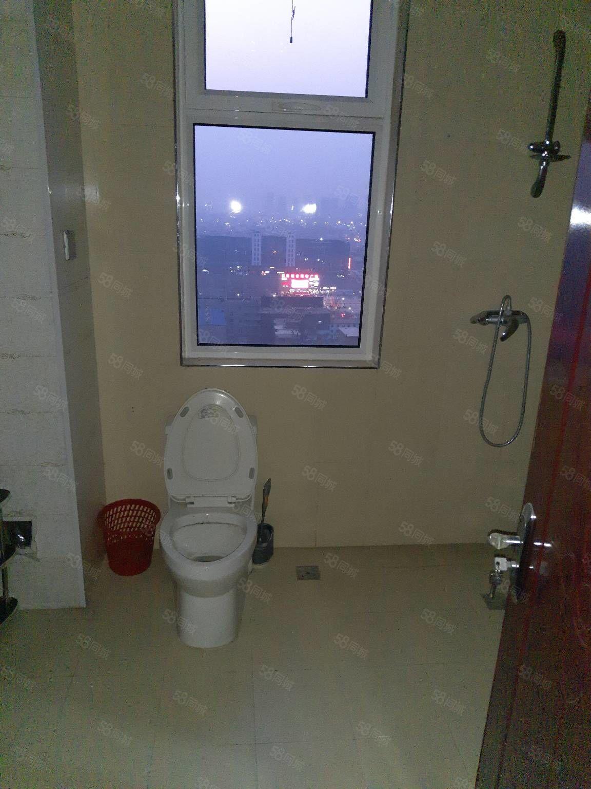 附中附近阳光小区两室出租有家具能做饭能洗澡停车方便拎包住