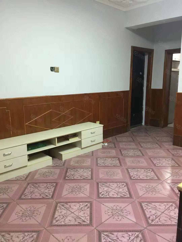 出租商务区旁德胜路5楼全装二室二厅家具家电750/月