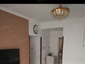 东城二村房银湖小区80平三室一厅精装修因换房诚心出售