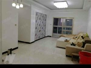MOCO(太阳城)3室2厅1卫75万精装一天没住