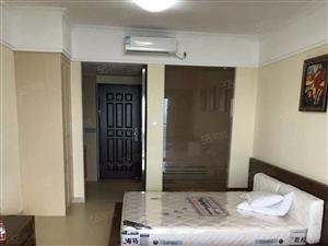阳东花园3房两厅家私家电齐全1800元拎包入住