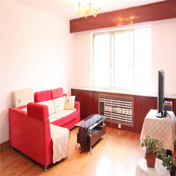 士英街20512中附近六楼可半年起租带取暖家电齐