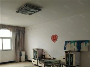 出售漓江路阳光名邸小区住房一套,4室2厅,简单装修
