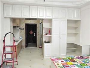 金山怡园精装公寓拎包入住家具家电齐全